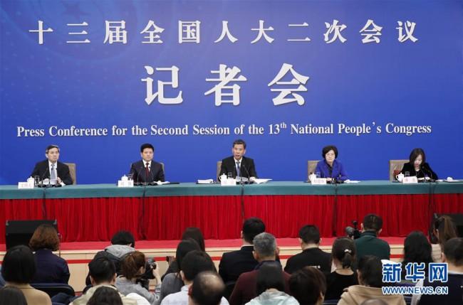 """十三届全国人大二次会议:""""减""""出市场新活力 """"加""""出发展新动力"""